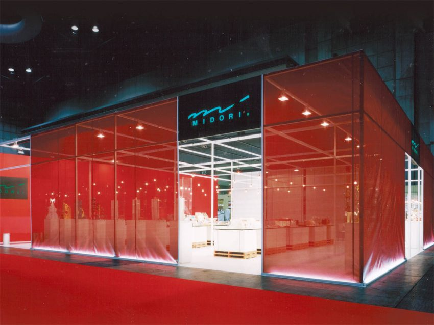 デザインフィル 展示会ブース設計施工(ISOT2003)