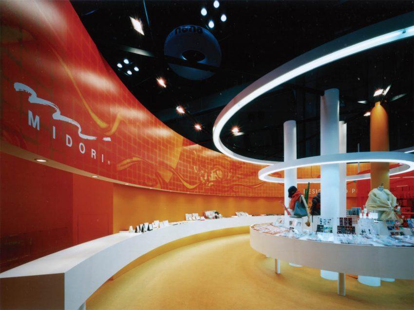 デザインフィル 展示会ブース設計施工(ISOT2004)
