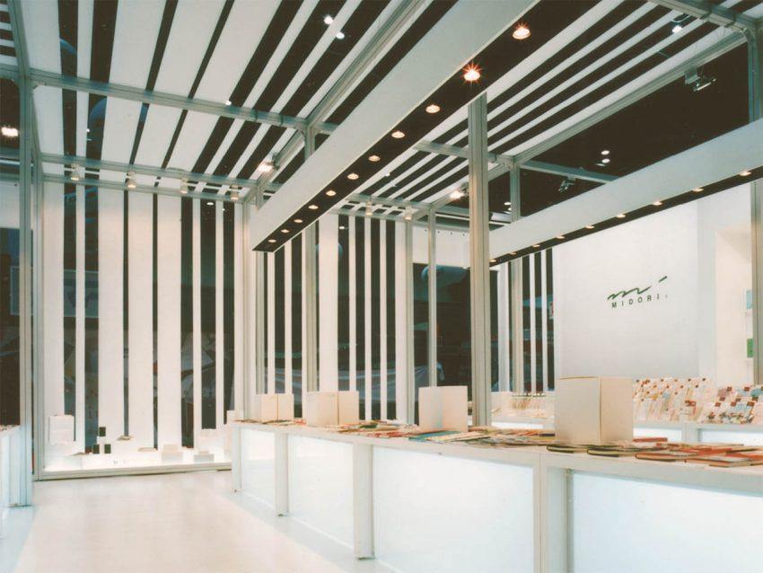 デザインフィル 展示会ブース設計施工(ISOT2005)